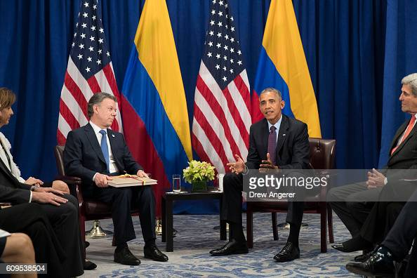 President of Colombia Juan Manuel Santos meets with US President Barack Obama during a bilateral meeting at the Lotte New York Palace Hotel September...