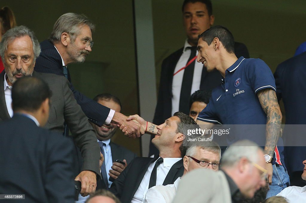 President of French League Frederic Thiriez greets Angel Di Maria of PSG during the French Ligue 1 match between Lille OSC (LOSC) and Paris Saint-Germain (PSG) at Grand Stade Pierre Mauroy on August 7, 2015 in Lille, France.