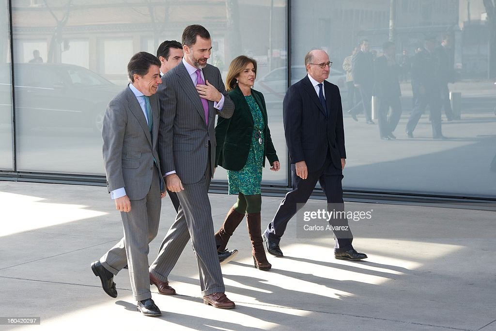 President of Madrid Region Ignacio Gonzalez, Prince Felipe of Spain, Spain's Minister of Industry, Energy and Tourism <a gi-track='captionPersonalityLinkClicked' href=/galleries/search?phrase=Jose+Manuel+Soria&family=editorial&specificpeople=6405496 ng-click='$event.stopPropagation()'>Jose Manuel Soria</a>, Madrid Major <a gi-track='captionPersonalityLinkClicked' href=/galleries/search?phrase=Ana+Botella&family=editorial&specificpeople=235432 ng-click='$event.stopPropagation()'>Ana Botella</a> and Repsol President Antonio Brufau during their visit to the new Repsol Headquarters on January 31, 2013 in Madrid, Spain.