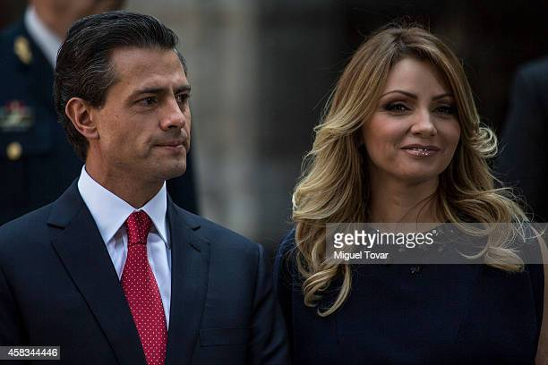 President of Mexico Enrique Peñ–a Nieto and first lady Angelica Rivero await the arrival of Charles Prince of Wales and Camilla Duchess of Cornwall...