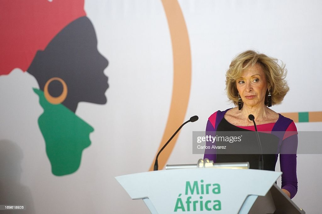 President of 'Mujeres por Africa' Foundation <a gi-track='captionPersonalityLinkClicked' href=/galleries/search?phrase=Maria+Teresa+Fernandez+de+la+Vega&family=editorial&specificpeople=841674 ng-click='$event.stopPropagation()'>Maria Teresa Fernandez de la Vega</a> attends the 'Mujeres Por Africa' exhibition at the COAM on May 29, 2013 in Madrid, Spain.