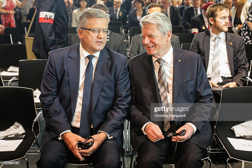 President of Polish Republic <a gi-track='captionPersonalityLinkClicked' href=/galleries/search?phrase=Bronislaw+Komorowski&family=editorial&specificpeople=836872 ng-click='$event.stopPropagation()'>Bronislaw Komorowski</a> (L) and German President <a gi-track='captionPersonalityLinkClicked' href=/galleries/search?phrase=Joachim+Gauck&family=editorial&specificpeople=2077888 ng-click='$event.stopPropagation()'>Joachim Gauck</a> attend the 'Der Warschauer Aufstad 1944 - The Warsaw Uprising' exhibition at Topography of Terror on July 29, 2014 in Berlin, Germany. The exhibition opens to the public on July 30 and runs until October 26, 2014.