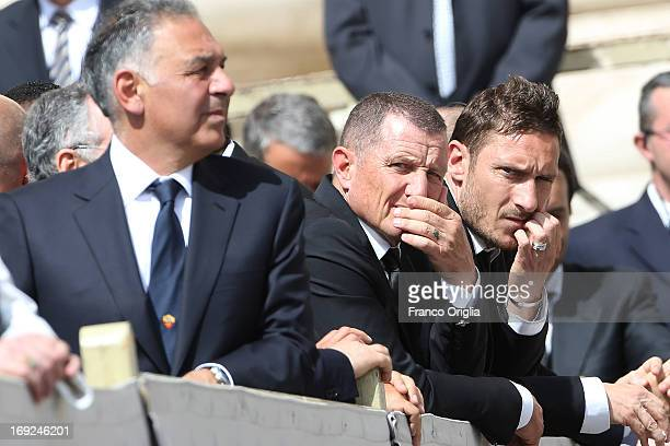 President of Roma James Pallotta Roma's coach Aurelio Andreazzoli and Italian football player Francesco Totti attend the weekly audience held by Pope...