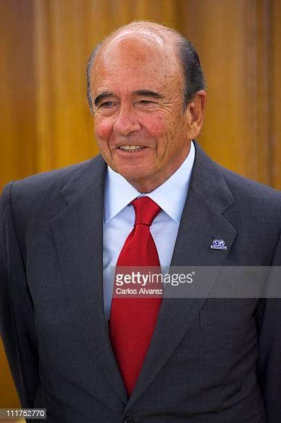 President of Spanish 'Banco Santander' bank Emilio Botin member of 'Colegios del Mundo Unido' Foundation at Zarzuela Palace on April 6 2011 in Madrid...