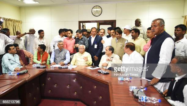 President of the All India Jat Aarakshan Sangarsh Samiti Yashpal Malik with Haryana CM Manohar Lal Khattar and Jat leaders in a meeting at Haryana...