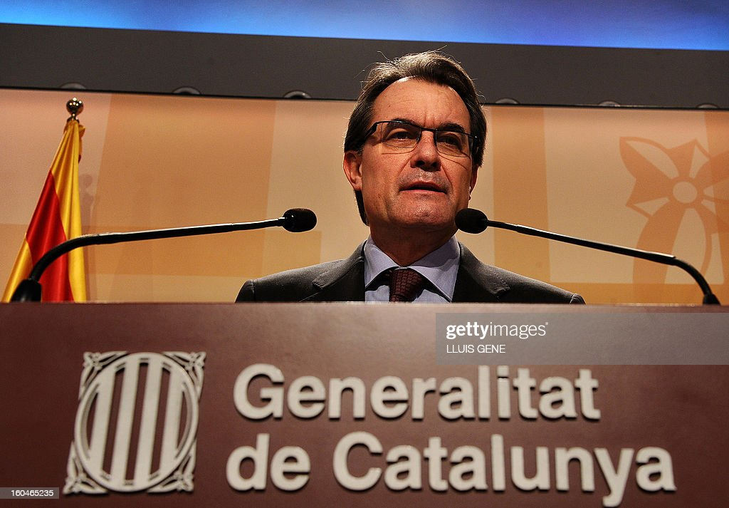 President of the Catalonia regional government and leader of the Catalan party CIU (Convergence and Unity party) Artur Mas gives a press conference in Barcelona on February 1, 2013. AFP PHOTO/ LLUIS GENE.