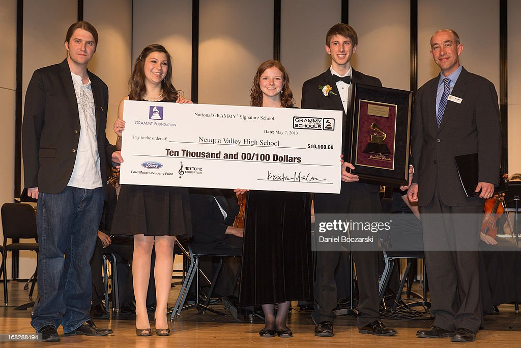 President of the Chicago chapter of the Recording Academy Matt Hennessy, students Caroline Brown, Mary Beth McMullan, Corey Worley and principal Dr. Robert McBride attend the GRAMMY Signature School Presentation. Neuqua Valley High School was honored as a National GRAMMY Signature School and received an award of $10,000 at Neuqua Valley High School on May 7, 2013 in Naperville, Illinois.