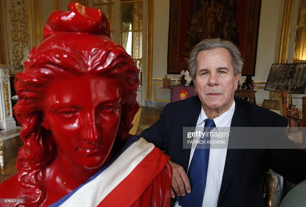 President of the Constitutional Council Jean-Louis Debré poses for a photograph with busts of Marianne, the national symbol of the French Republic -'Triumph of the Republic'-, at the Constitutional Council located in the Palais Royal in central Paris, on February 9, 2016. / AFP / PATRICK KOVARIK