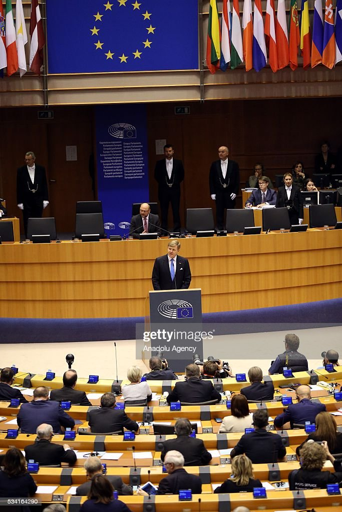 President of the European Parliament Martin Schulz (front) delivers a speech at European Parliament's general assembly hall after his meeting with Dutch King Willem-Alexander in Brussels, Belgium on May 25, 2016.