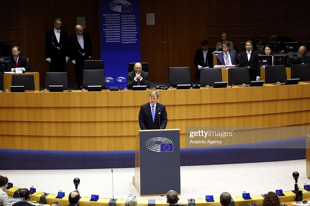 President of the European Parliament Martin Schulz (front) delivers a speech at EU's general assembly hall after his meeting with Dutch King Willem-Alexander (rear C) in Brussels, Belgium on May 25, 2016.