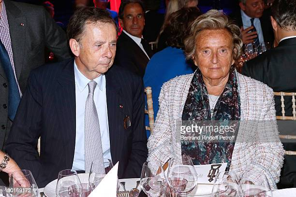 President of the event Louis Schweitzer and Bernadette Chirac attend 'Friends of Quai Branly Museum Society' dinner party at Musee du Quai Branly on...
