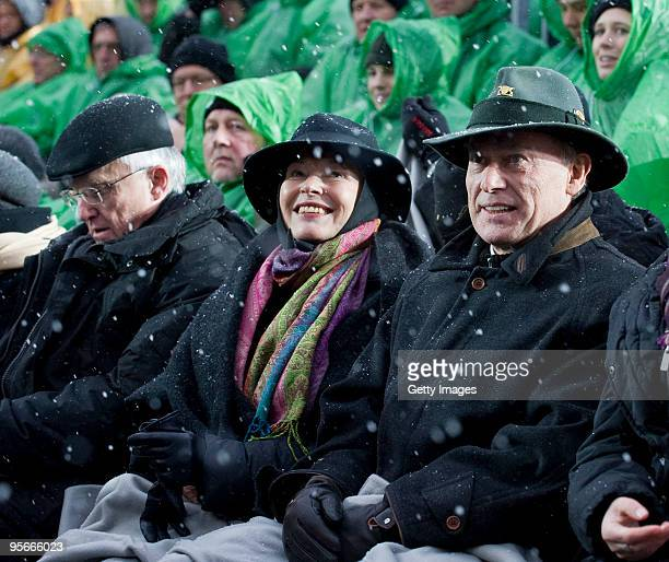President of the Federal Republic Horst Koehler his wife Eva and Prime Minister of NorthRhine Westfalia Juergen Ruettgers watch the opening show of...