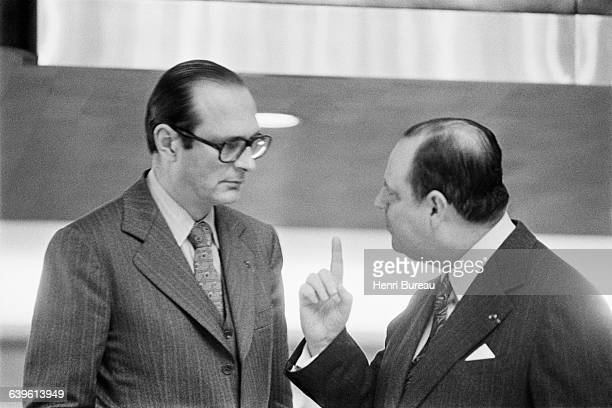 President of the Gaullist movement Jacques Chirac and Prime Minister Raymond Barre meet in the offices of the parliamentary group Rally for the...