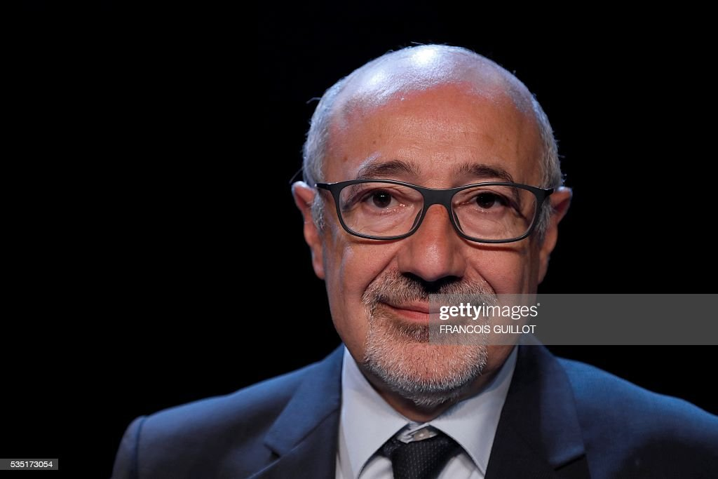President of the Representative Council of French Jewish Institutions (Crif) Francis Kalifat poses on May 29, 2016 in Paris. / AFP / FRANCOIS