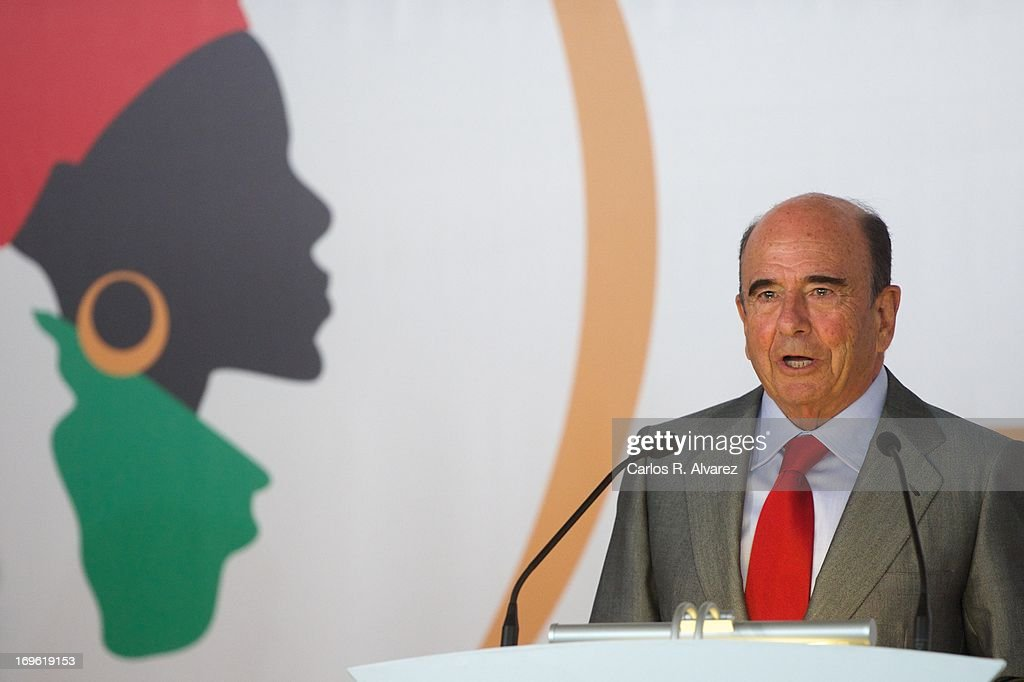 President of the Spanish bank Banco Santander, Emilio Botin attends the 'Mujeres Por Africa' exhibition at the COAM on May 29, 2013 in Madrid, Spain.