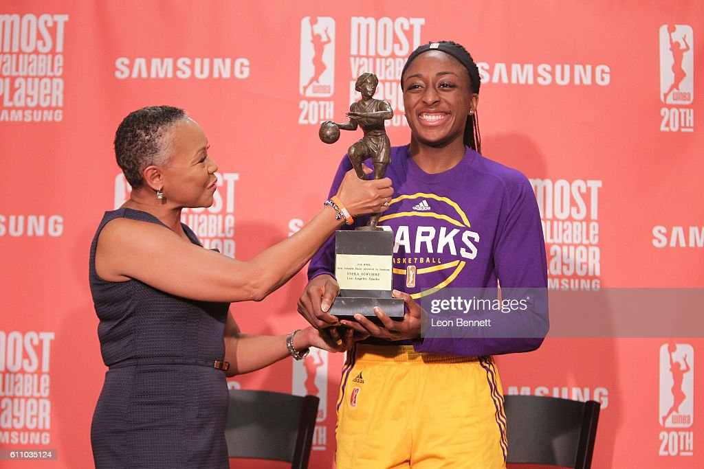 President of the WNBA Lisa Borders gives Nneka Ogwumike #30 of the Los Angeles Sparks her 2016 WNBA MVP Award at Walter Pyramid on September 28, 2016 in Long Beach, California.