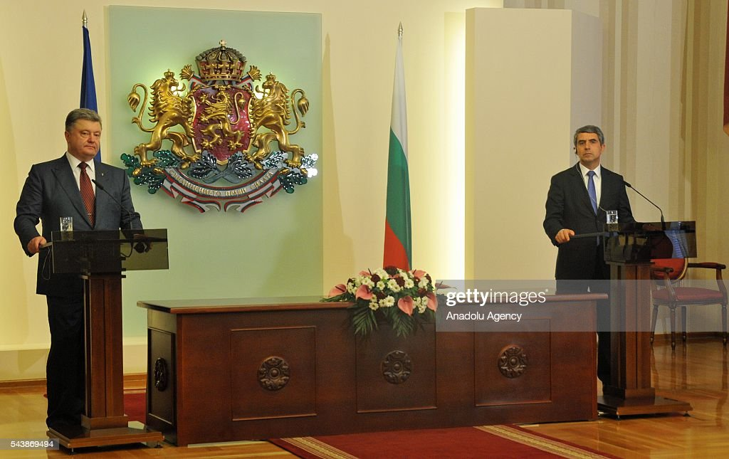 President of Ukraine, Petro Poroshenko (L) and President of Bulgaria, Rosen Plevneliev (R) hold a joint press conference following their meeting, in Sofia, Bulgaria on June 30, 2016.