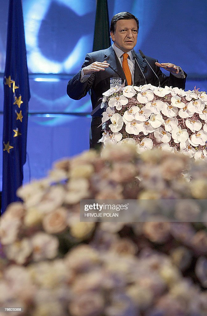 EU President Portuguese Jose Manuel Barroso delivers a speech during the celebration of Slovenia's accession to the Schengen Area and taking the EU Presidency from Portugal to Slovenia, in border town of Skofije, 22 December 2007, on the second day of implementation of the Schengen border free-zone treaty. Slovenia, the first former Yugoslav state to join the European Union and the eurozone, will now control 760 kilometres (472 miles) of the Schengen border and will officially start its presidency over EU with the first day next year. The European Union's border-free zone was extended to Czech Republic, Estonia, Hungary, Lithuania, Latvia, Malta, Poland, Slovakia and Slovenia 21 December 2007. AFP PHOTO/ Hrvoje Polan