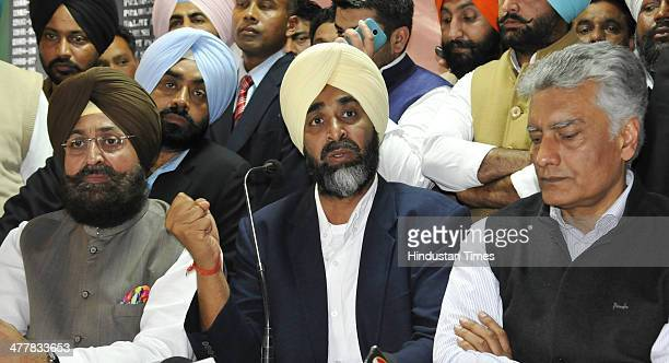 PPCC President Pratap Singh Bajwa PPP Chief Manpreet Badal CLP leader Sunil Jakhar at Chandigarh Press Club during press conference announcing...