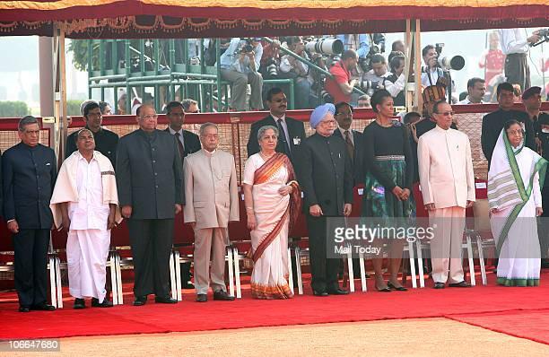 President Pratibha Patil her spouse Devisingh Shekhawat US President Barack Obama First Lady Michelle Obama Prime Minister Manmohan Singh his wife...