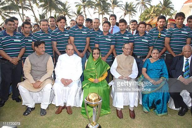 President Pratibha Patil poses with Indian team members Virat Kohli Gautam GhambhirVirendra SehwagZaheer Khan SreesanthYusuf Pathan Mahendra Singh...