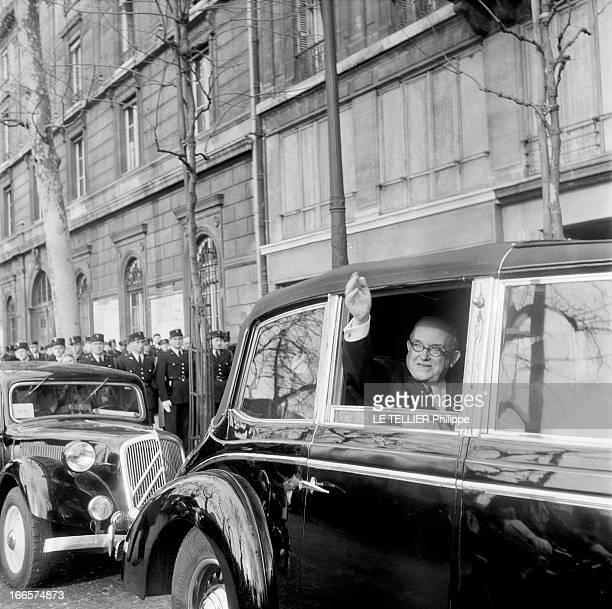 President Rene Coty At The City Hall For The Transfer Of Powers Paris Hôtel de Ville 16 janvier 1954 Lors de la passation des pouvoirs le président...