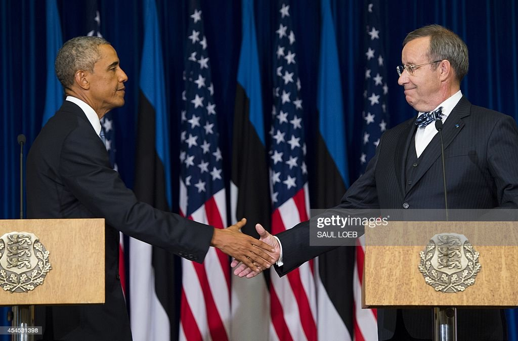President Toomas Hendrik Ilves of Estonia (R) and US President Barack Obama shake hands after a joint press conference at the Bank of Estonia in Tallinn, Estonia, on September 3, 2014. US President Barack Obama arrived in Estonia to meet Baltic leaders and reaffirm Washington's commitment to the security of ex-Soviet NATO members.