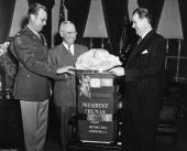 President Truman Receiving Thanksgiving Turkey In Washington On November 25Th 1946