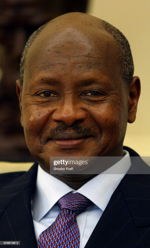 President Yoweri Museveni of Uganda meets with President Bush at The White House