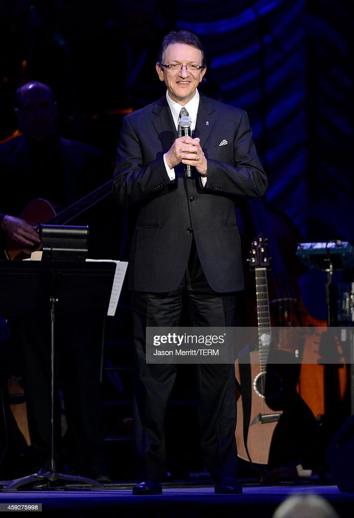 2014 Person Of The Year Honoring Joan Manuel Serrat - Show