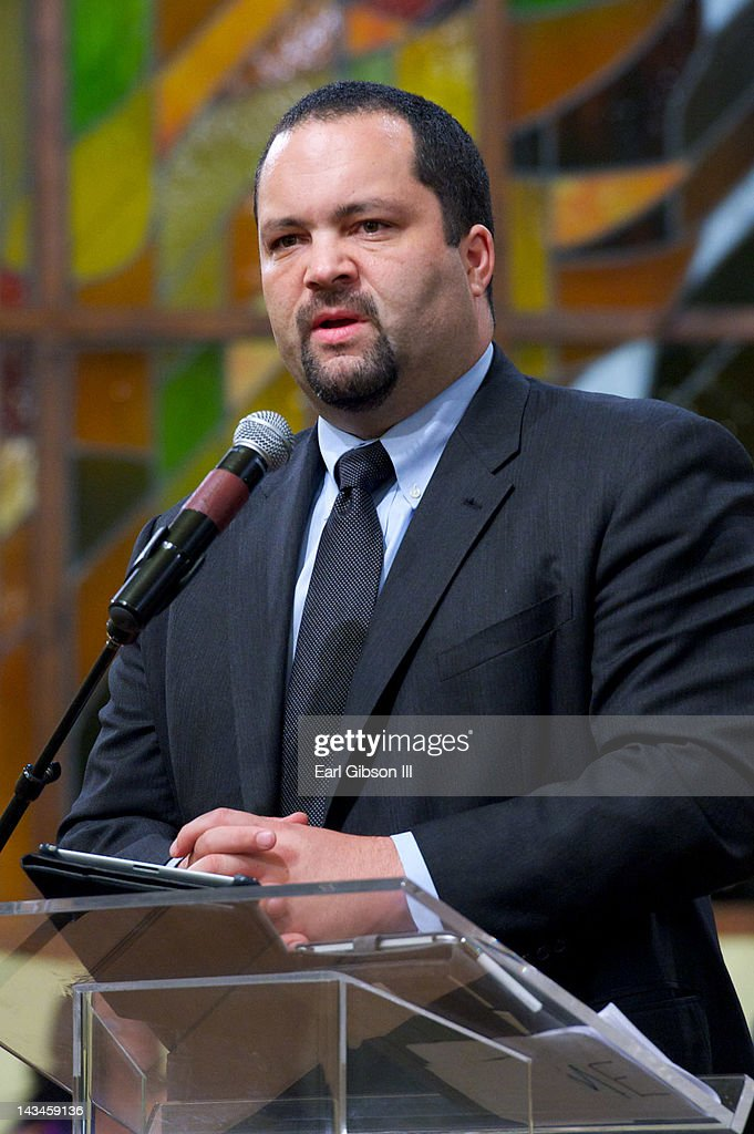 President/CEO of the NAACP <a gi-track='captionPersonalityLinkClicked' href=/galleries/search?phrase=Benjamin+Jealous&family=editorial&specificpeople=5707196 ng-click='$event.stopPropagation()'>Benjamin Jealous</a> speaks at the NAACP Trayvon Martin Rally on April 26, 2012 in Los Angeles, California.