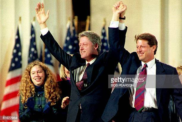 S Presidentelect Bill Clinton and Vice Presidentelect Al Gore salue the crowd 03 November at the Old State House in Little Rock At left is Clinton's...