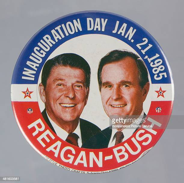 S presidential campaign button pin showing Ronald Reagan and George H W Bush