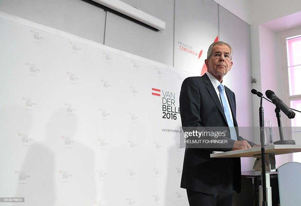 Presidential candidate Alexander van der Bellen gives a press conference after Austrian Constitutional Court annulled his May 23 win following a legal challenge from his far-right oponent, in Vienna, on July 1, 2016. Earlier Austria's highest court annulled Van der Bellen's narrow victory of just 31,000 votes over Norbert Hofer of the far-right Freedom Party (FPOe) because of widespread procedural irregularities. / AFP / APA / HELMUT FOHRINGER / Austria OUT