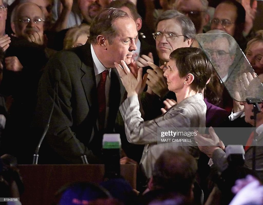 Presidential candidate Bill Bradley L is embrace