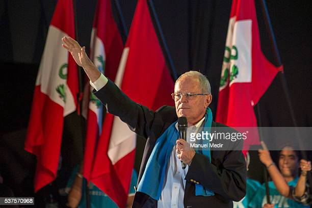 Presidential candidate for PPK Pedro Pablo Kuczynski gives a speech during the campaign closing rally on Jun 01 2016 in Lima Peru