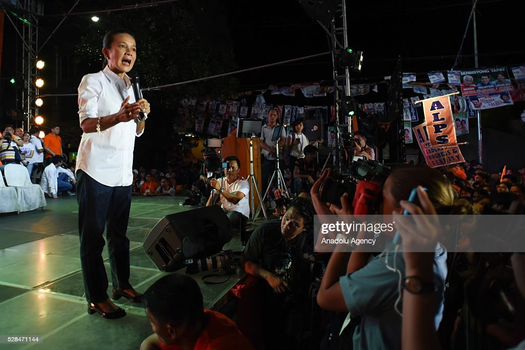 Presidential candidate Grace Poe addresses the crowd as she attends the meeting de avance of his godfather and former Philippine President Joseph Estrada (not pictured) in Tondo district, Manila on 05 May 2016. Poe is the adoptive daughter of the late movie star Fernando Poe Jr, who is known to be best friends with Joseph Estrada.