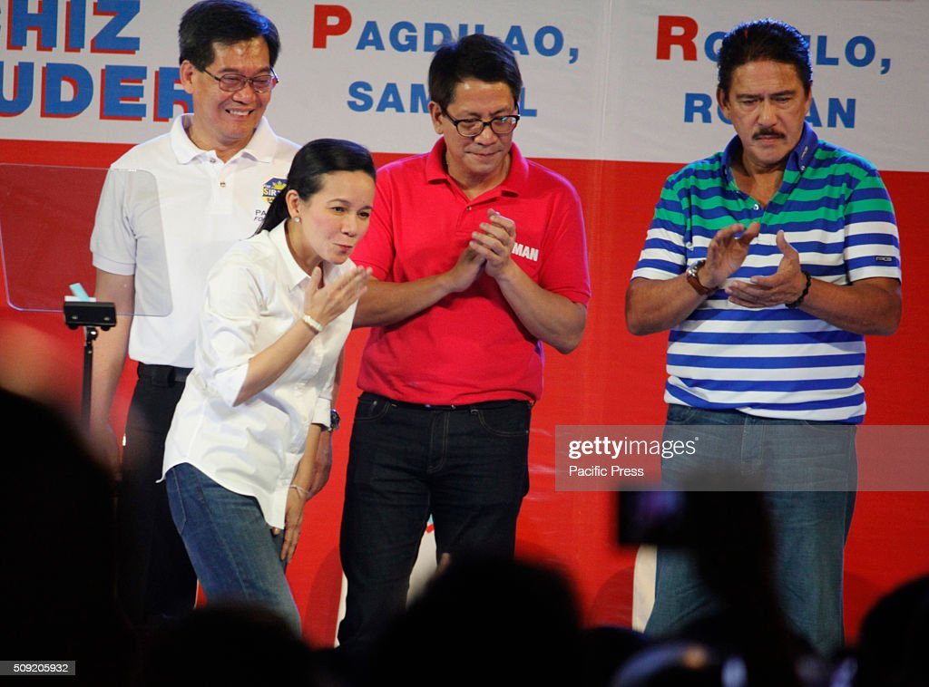 Presidential candidate Senator Grace Poe gestures at her supporters during their election campaign at Plaza Miranda in Manila. Senator Poe maintained her lead in the presidential race despite issues on citizenship. On the latest survey by Laylo, Poe got 29% followed by Vice President Jejomar Binay and former Interior and Local Government Secretary Mar Roxas which tied in the second place with 22%. The survey came as the campaign period officially starts today.