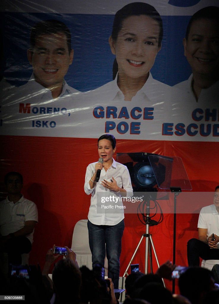 Presidential candidate Senator Grace Poe gives her speech at a campaign rally at Plaza Miranda in Manila. Senator Poe maintained her lead in the presidential race despite issues on citizenship. On the latest survey by Laylo, Poe got 29% followed by Vice President Jejomar Binay and former Interior and Local Government Secretary Mar Roxas which tied in the second place with 22%. The survey came as the campaign period officially starts today.