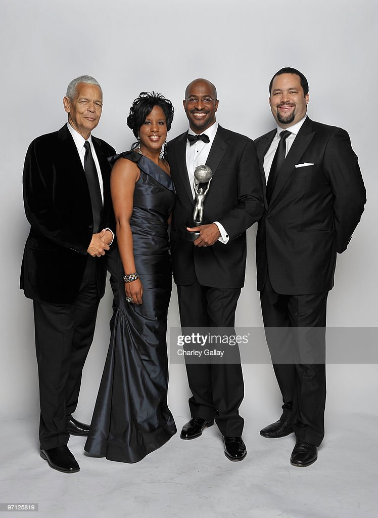 President's Award winner <a gi-track='captionPersonalityLinkClicked' href=/galleries/search?phrase=Van+Jones&family=editorial&specificpeople=5401058 ng-click='$event.stopPropagation()'>Van Jones</a> (2nd R) poses for a portrait with former NAACP Chairman <a gi-track='captionPersonalityLinkClicked' href=/galleries/search?phrase=Julian+Bond&family=editorial&specificpeople=221657 ng-click='$event.stopPropagation()'>Julian Bond</a>, NAACP Chairman of the Board Roslyn M. Brock and current NAACP Chairman Benjamin Jealous during the 41st NAACP Image awards held at The Shrine Auditorium on February 26, 2010 in Los Angeles, California.