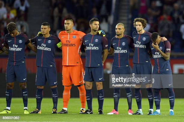 Presnel Kimpembe Thiago Silva Alphonse Areola Thiago Motta Layvin Kurzawa Adrien Rabiot Neymar Jr of Paris SaintGermain pay tribute to the victims of...