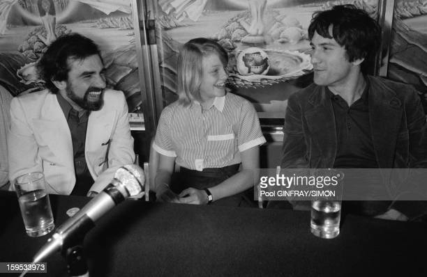 Press conference after presentation of movie Taxi Driver directed by Martin Scorsese with Jodie Foster and Robert de Niro at Cannes Film Festival in...
