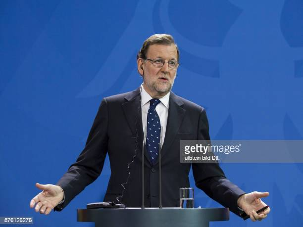 Press conference of German Chancellor Angela_Merkel and Spanish Prime Minister Mariano Rajoy on 18 November 2016 at the Federal Chancellery in Berlin...