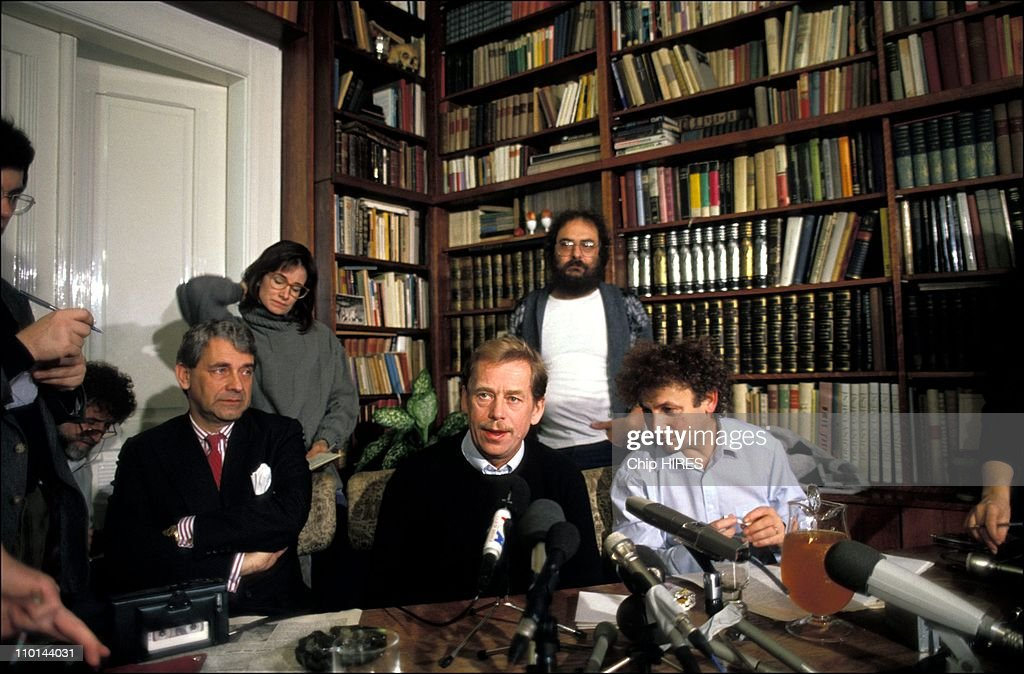 Press conference of <a gi-track='captionPersonalityLinkClicked' href=/galleries/search?phrase=Vaclav+Havel&family=editorial&specificpeople=202931 ng-click='$event.stopPropagation()'>Vaclav Havel</a> in Prague, Czech Republic on November 20, 1989.