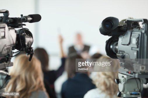Conférence de presse.