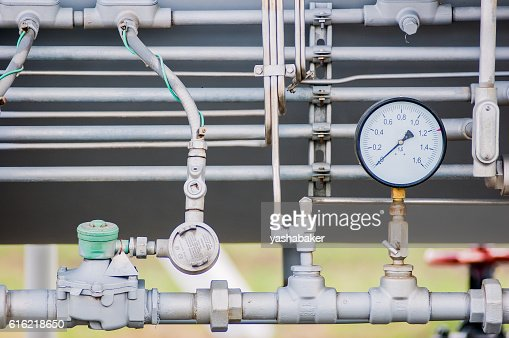 Pressure meter on natural gas pipeline : Foto stock