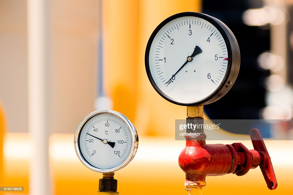 Pressure meter on natural gas pipeline : Stockfoto