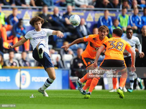 Preston North End's Ben Pearson under pressure from Reading's Liam Kelly during the Sky Bet Championship match between Preston North End and Reading...