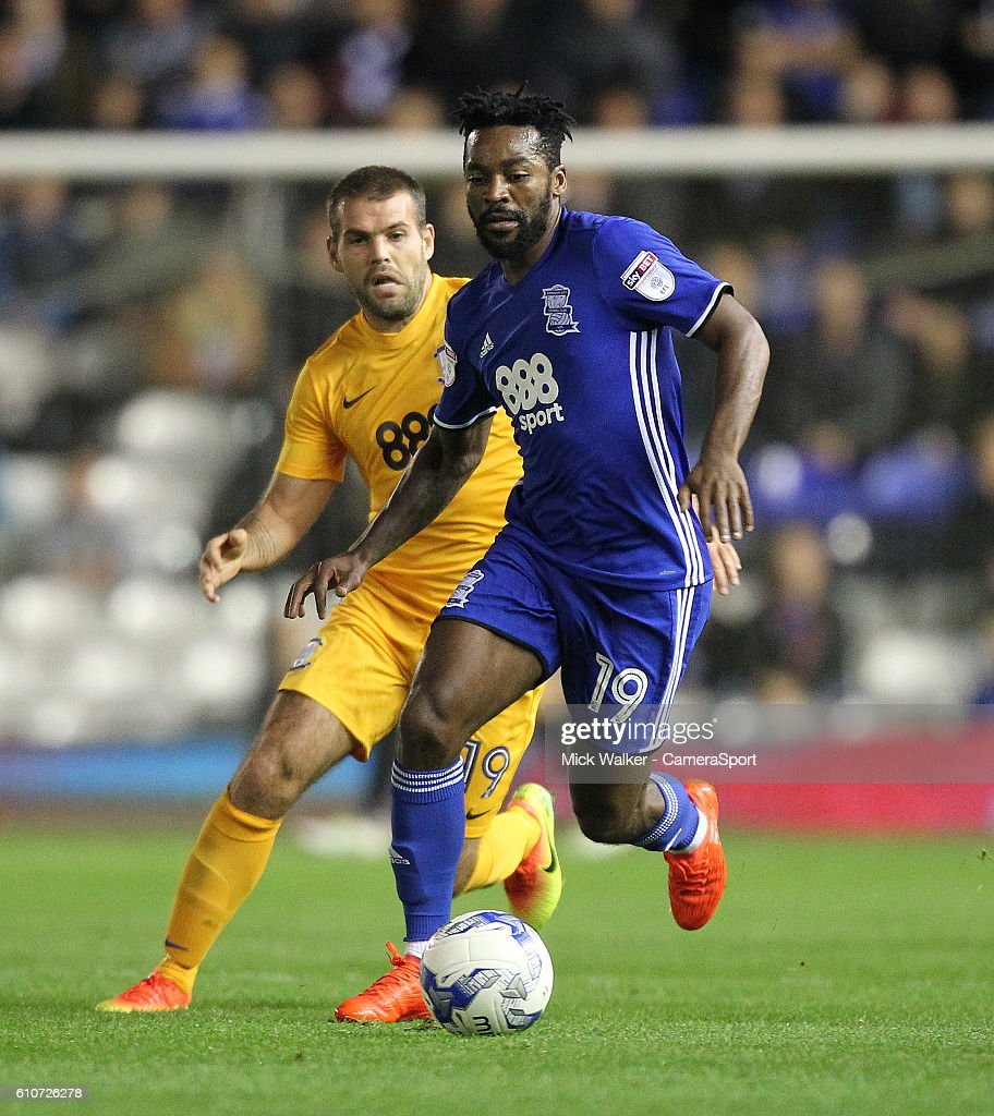 Preston North End's John Welsh battles with Birmingham City's Jacques Maghoma during the Sky Bet Championship match between Birmingham City and Preston North End at St Andrews (stadium) on September 27, 2016 in Birmingham, England.