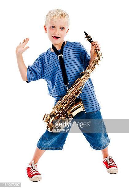 Jeu cool, hein? Garçon et son sax take five